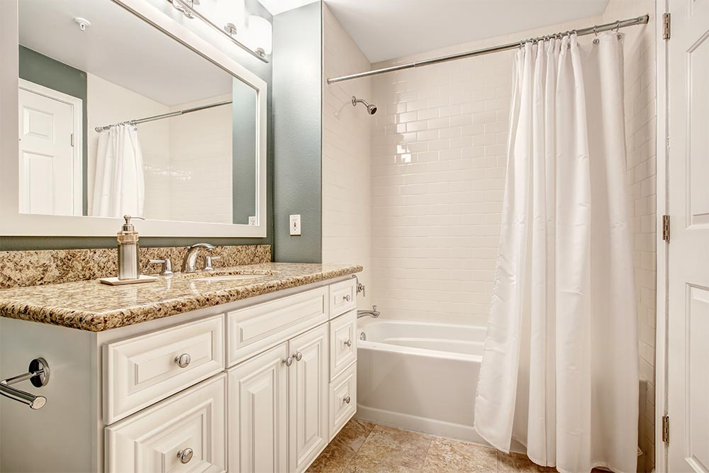 j-and-c-contracting-barrie-bathroom-renovations-experts-1